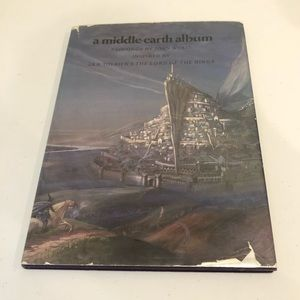 A Middle Earth Album Fantasy Art Book